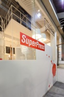 AND-SuperPress-SuperBla_Office_04