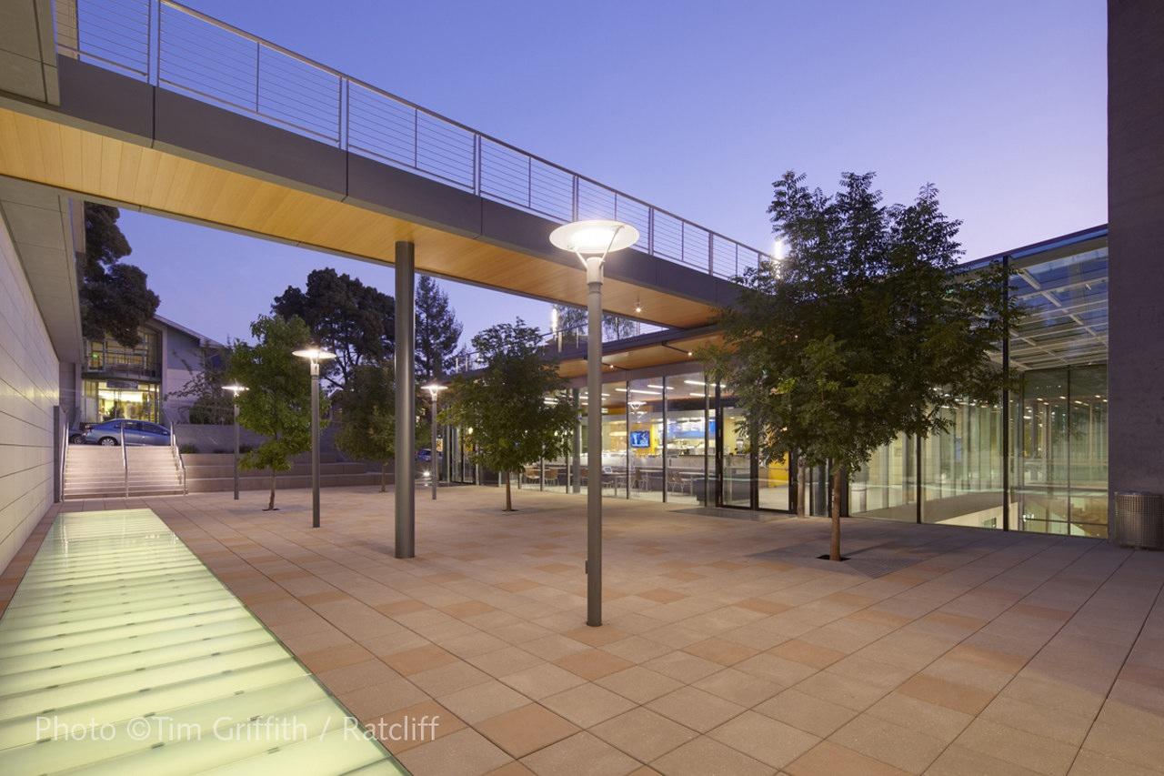 Berkeley School of Law Library by Ratcliff | KARMATRENDZ