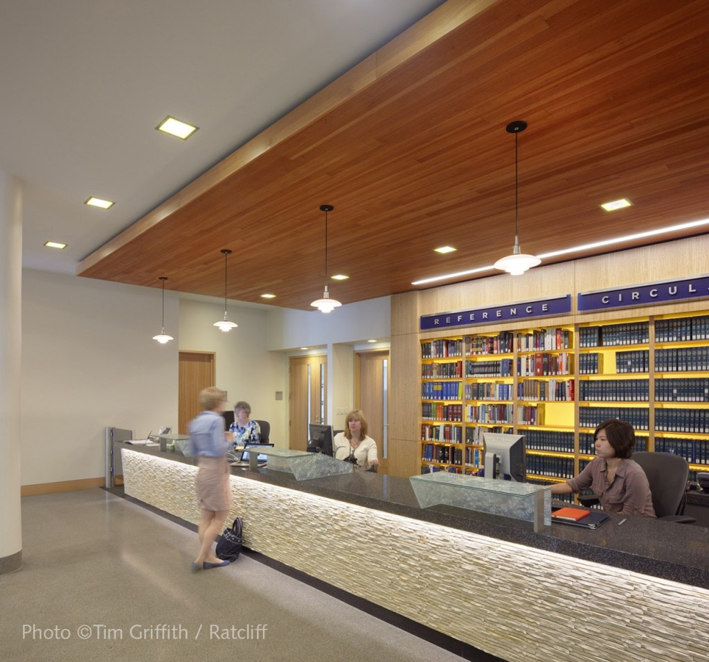 Berkeley_School_of_Law_Library_13