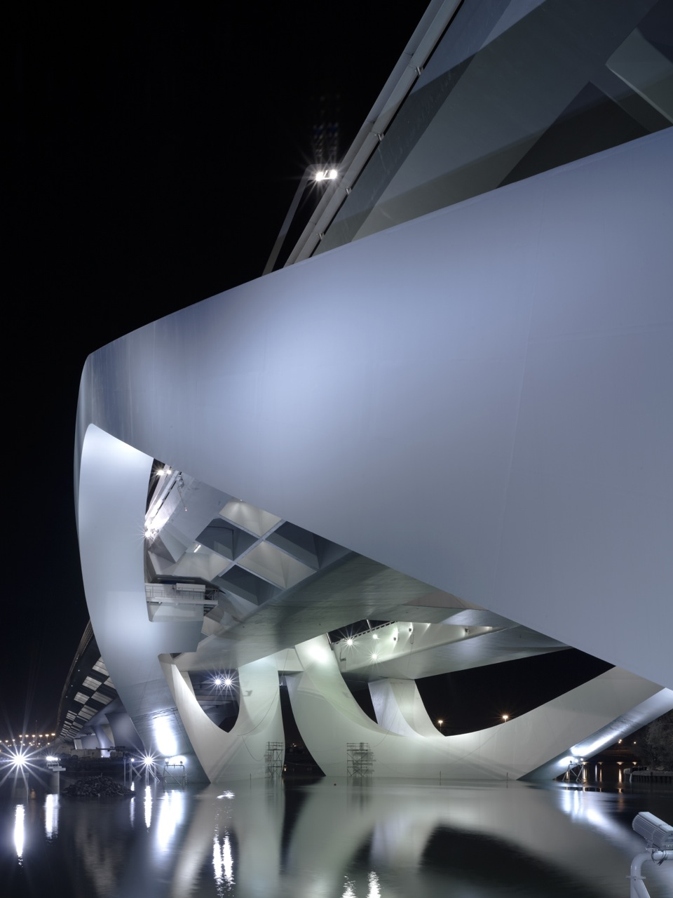 Sheikh zayed bridge by zaha hadid architects karmatrendz for Hispano international decor abu dhabi