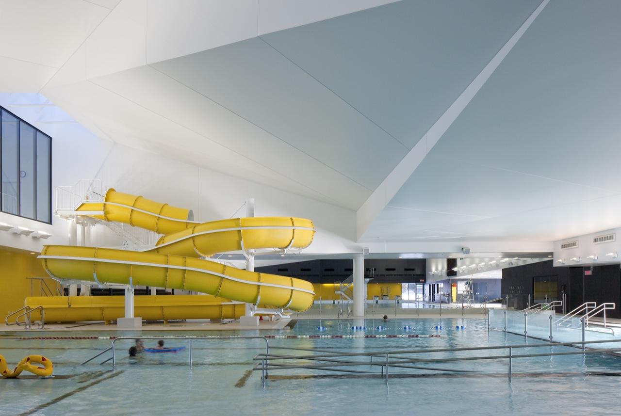 St hyacinthe aquatic centre by acdf karmatrendz for Camping noirmoutier avec piscine toboggan