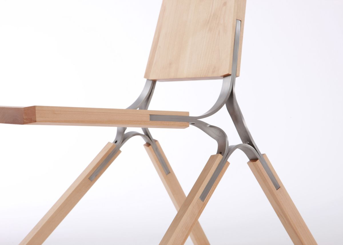 Synapse chair by andrew perkins karmatrendz for Metal design chair