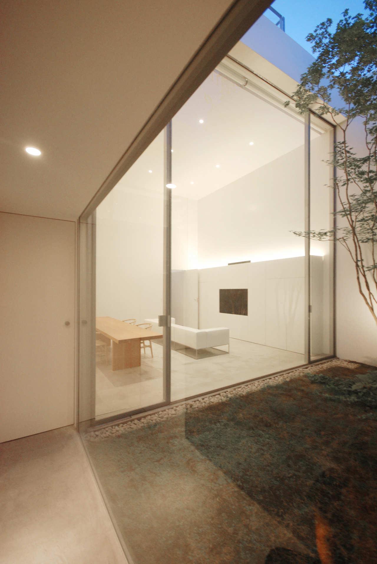 Cube Court House by Shinichi Ogawa Associates KARMATRENDZ