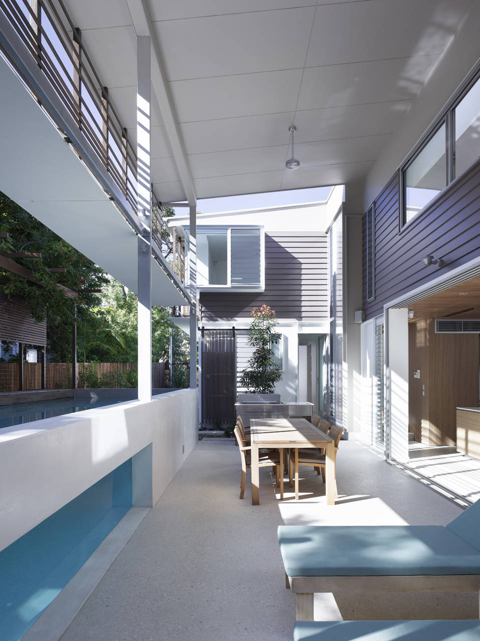 Sunshine beach pool house by bark design architects for Beach house designs sunshine coast
