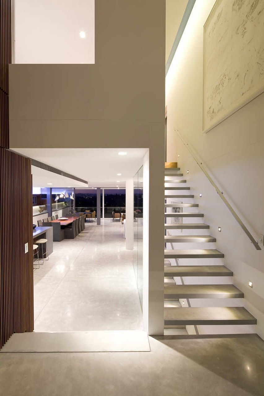 G house by bruce stafford associates karmatrendz - Casas minimalistas por dentro ...