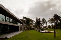 House_In_Estoril_02