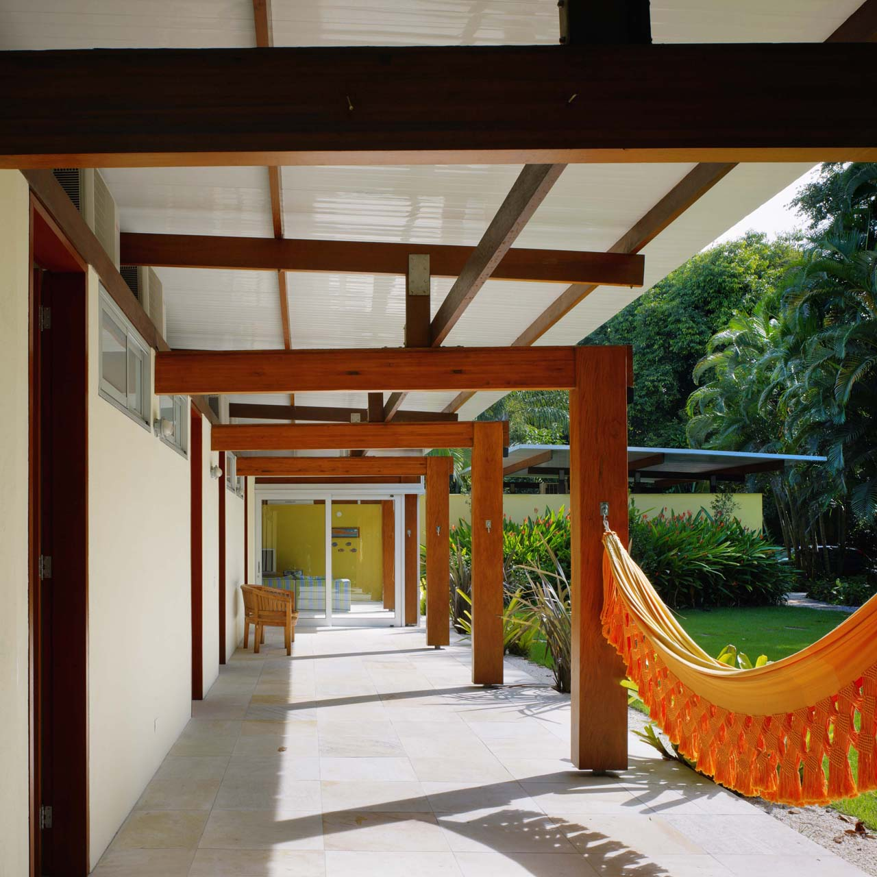 House In Praia Preta By Nitsche Arquitetos Associados Karmatrendz