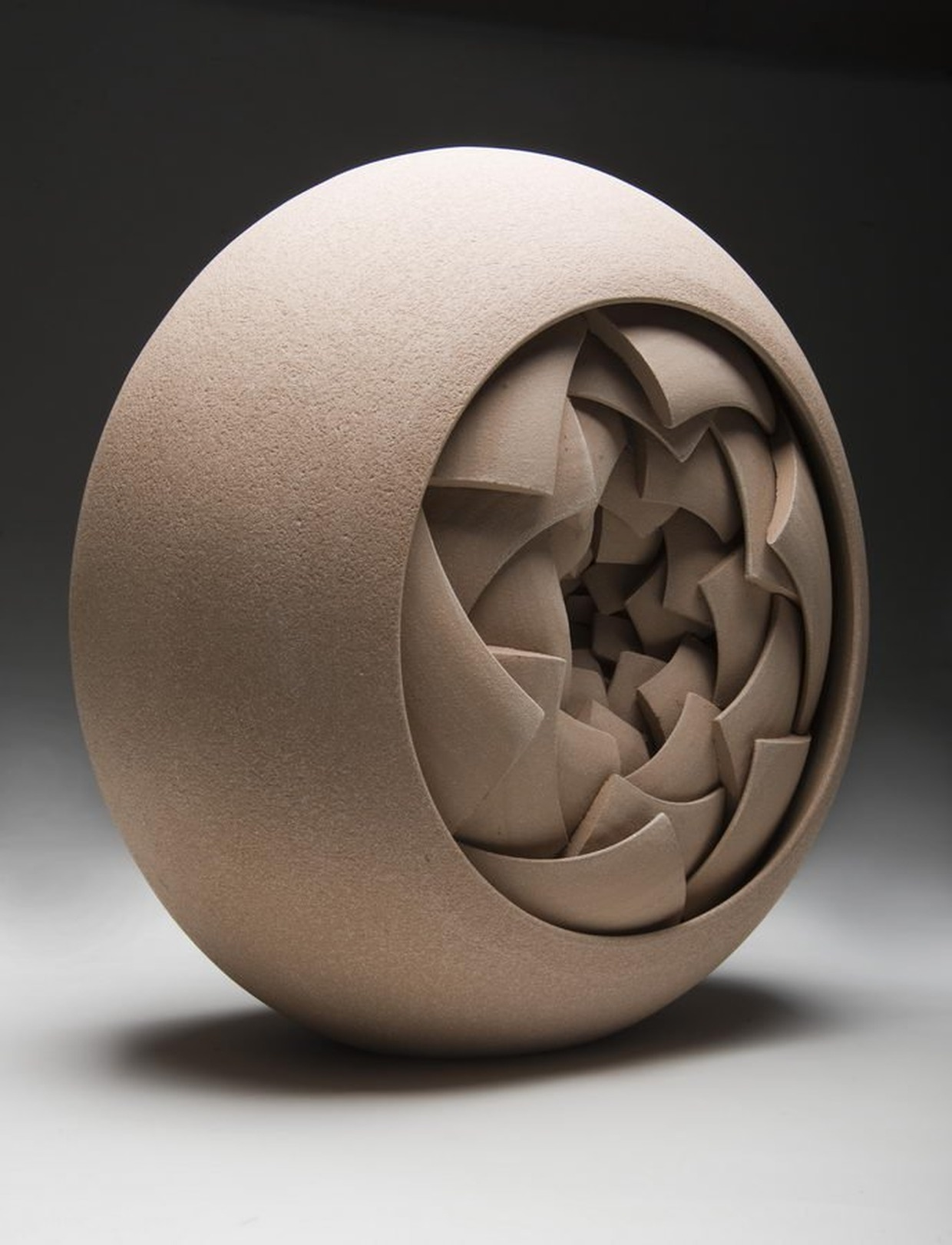 Ceramic sculptures by matthew chambers karmatrendz for Cool ceramic art