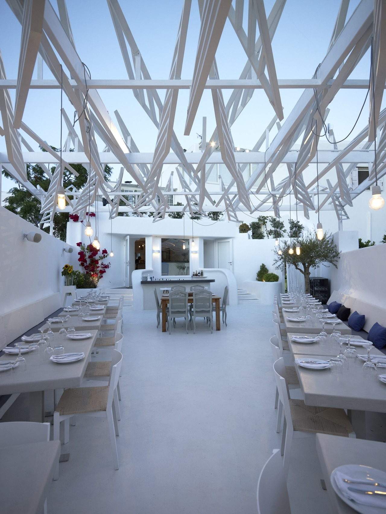 Phos restaurant in mykonos town by lm architects karmatrendz