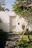 44045175-H1-Entrance_to_Garden_Room