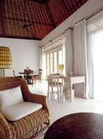 44045450-H1-Uma_Pool_Suite_-_Living_Dining_aspect