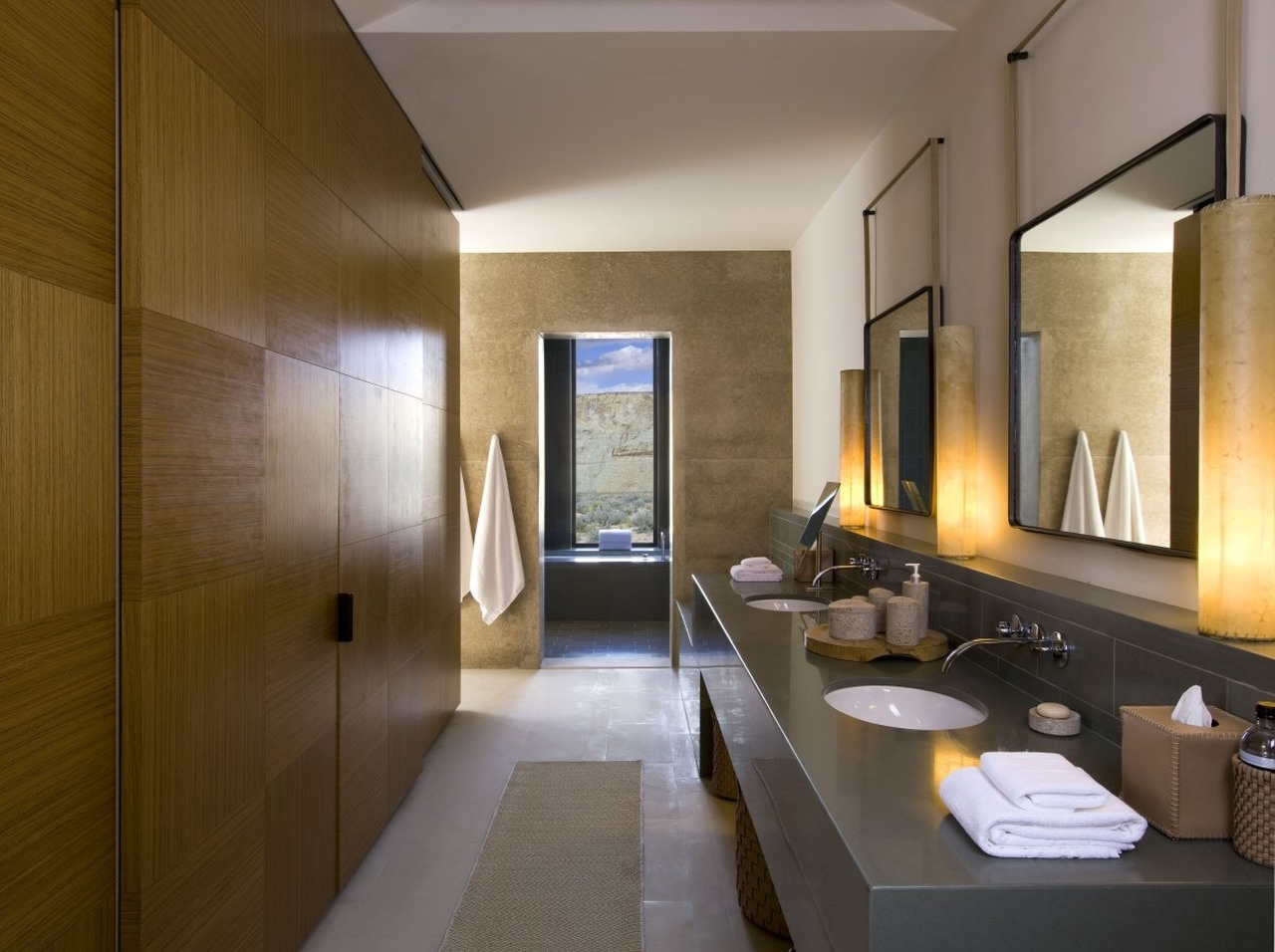 Dressing room with bathroom design - The Amangiri Resort And Spa