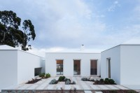 House_in_Belas_03