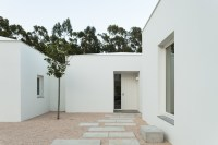 House_in_Belas_04