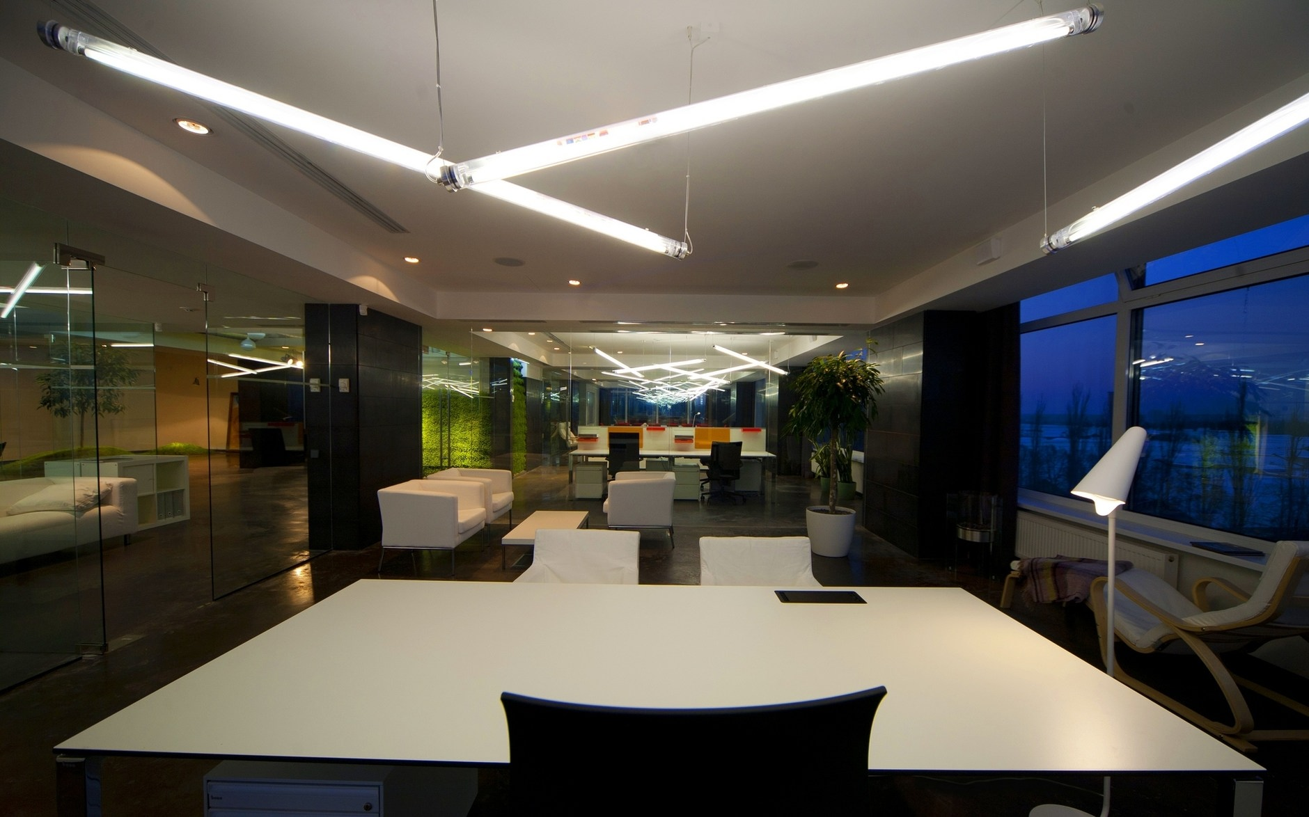 Office of technology company by tseh architectural group for Technology office design
