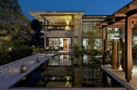 The_Courtyard_House_Hiren_Patel_07__r
