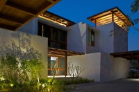 The_Courtyard_House_Hiren_Patel_13__r
