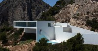 130104_House_on_the_Cliff_02__r