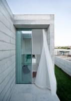 130111_House_In_Moreira_06
