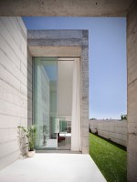 130111_House_In_Moreira_07