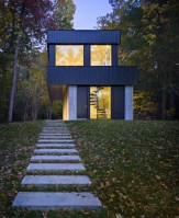 130227_Cantilever_Lake_House_05__r