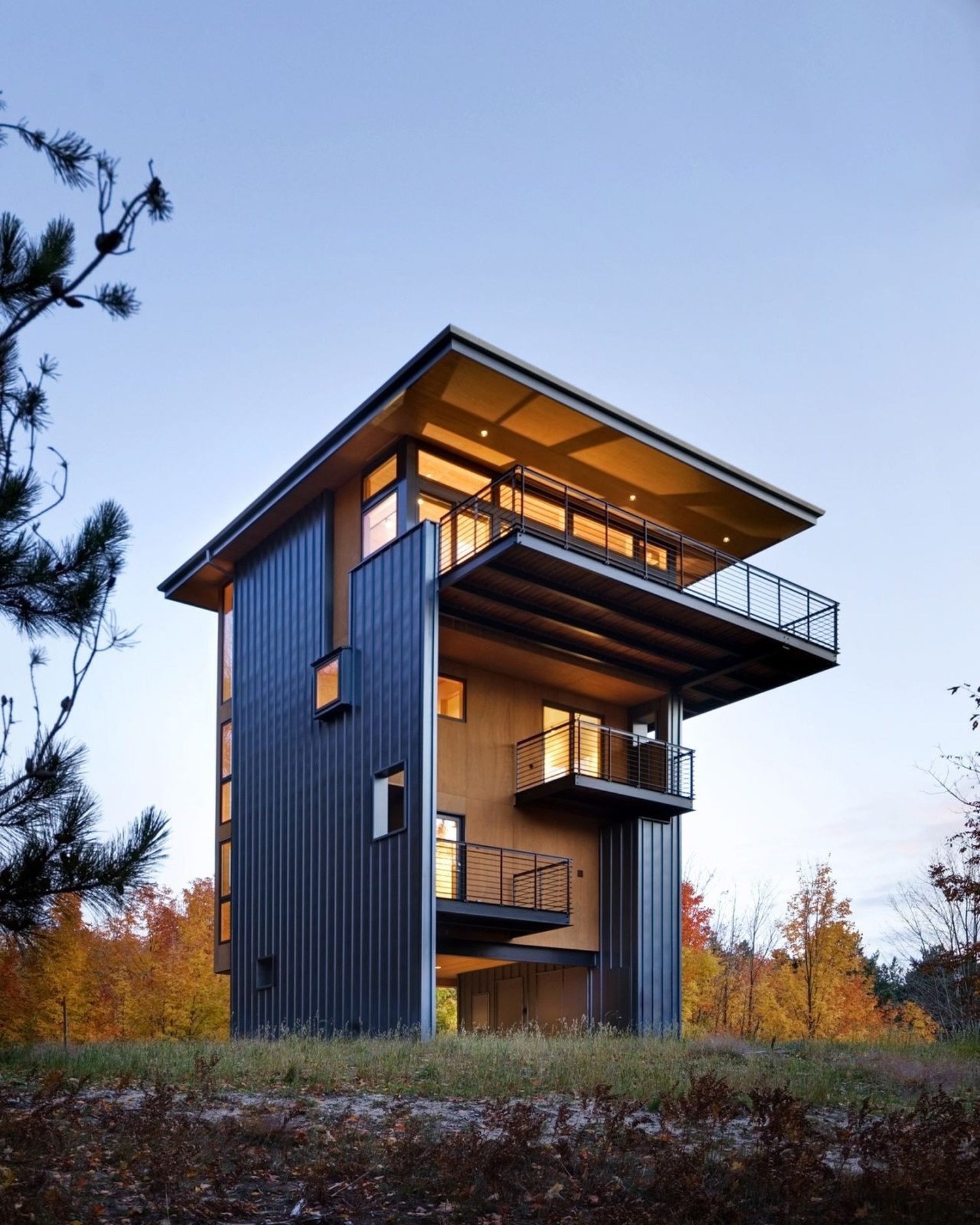 Glen lake tower by balance associates architects for Modern tower house designs
