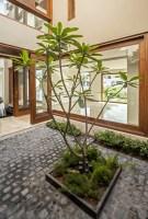 130312_Twin_Courtyard_House_02__r