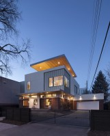 130316_Shift_Top_House_01__r