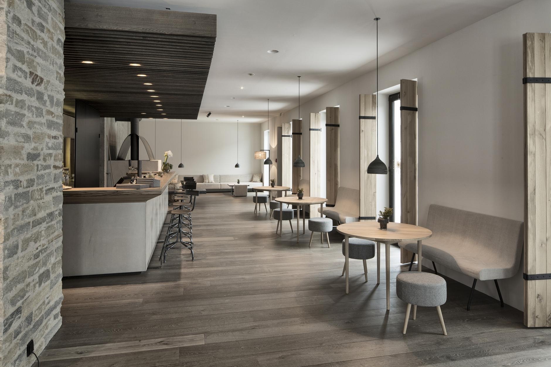 Hotel wiesergut by gogl architekten karmatrendz for Design hotel innsbruck