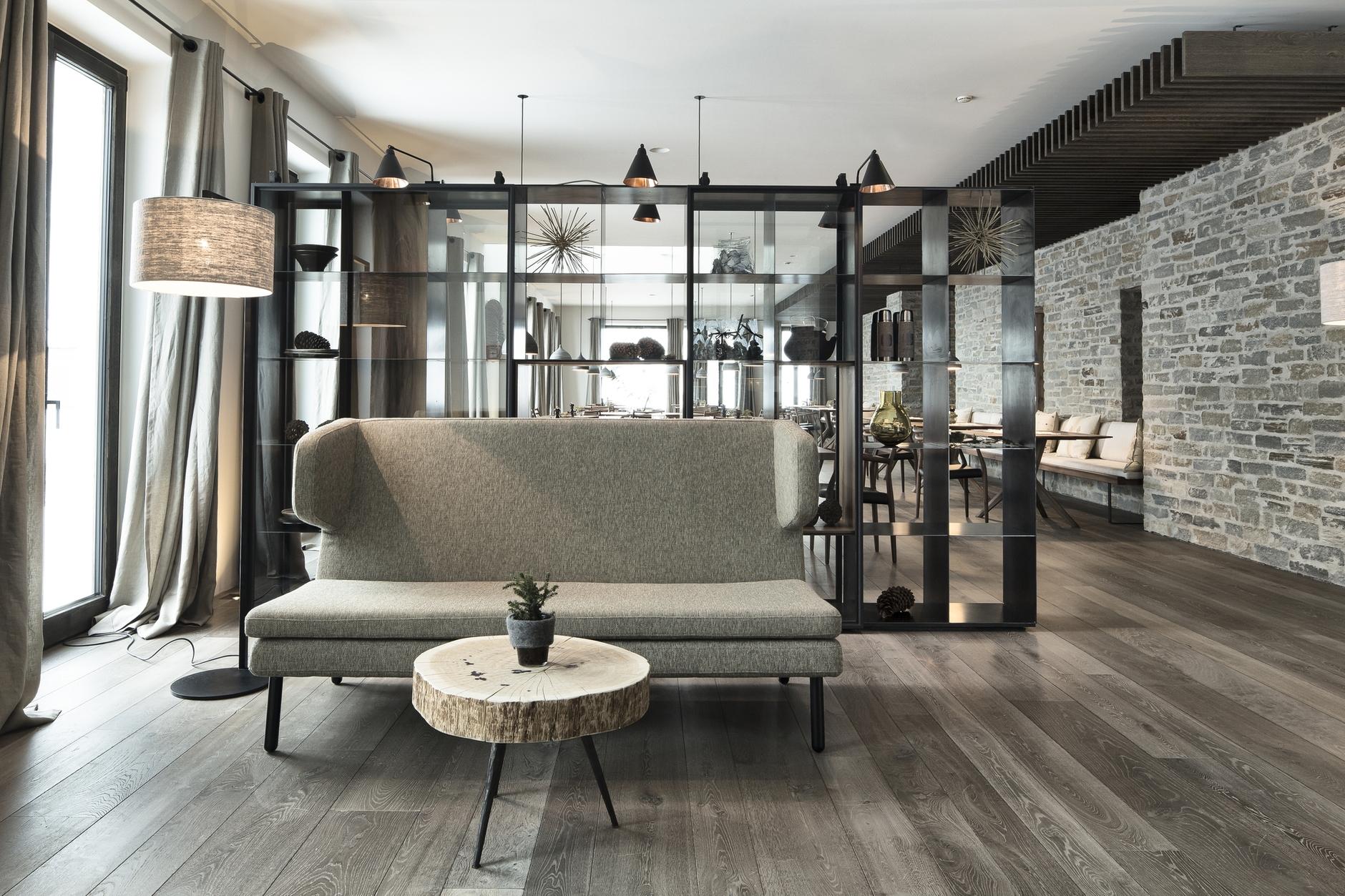 Hotel wiesergut by gogl architekten karmatrendz for Design hotel monika