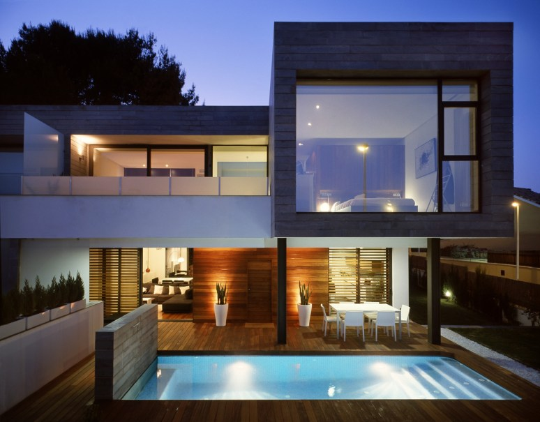 130729_Six_Semi_Detached_Houses_Isolated_House_in_Rocafort_01