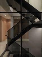 130730_Multilevel_Contemporary_Apartment_15