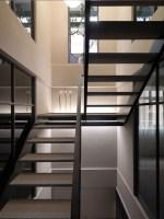 130730_Multilevel_Contemporary_Apartment_19