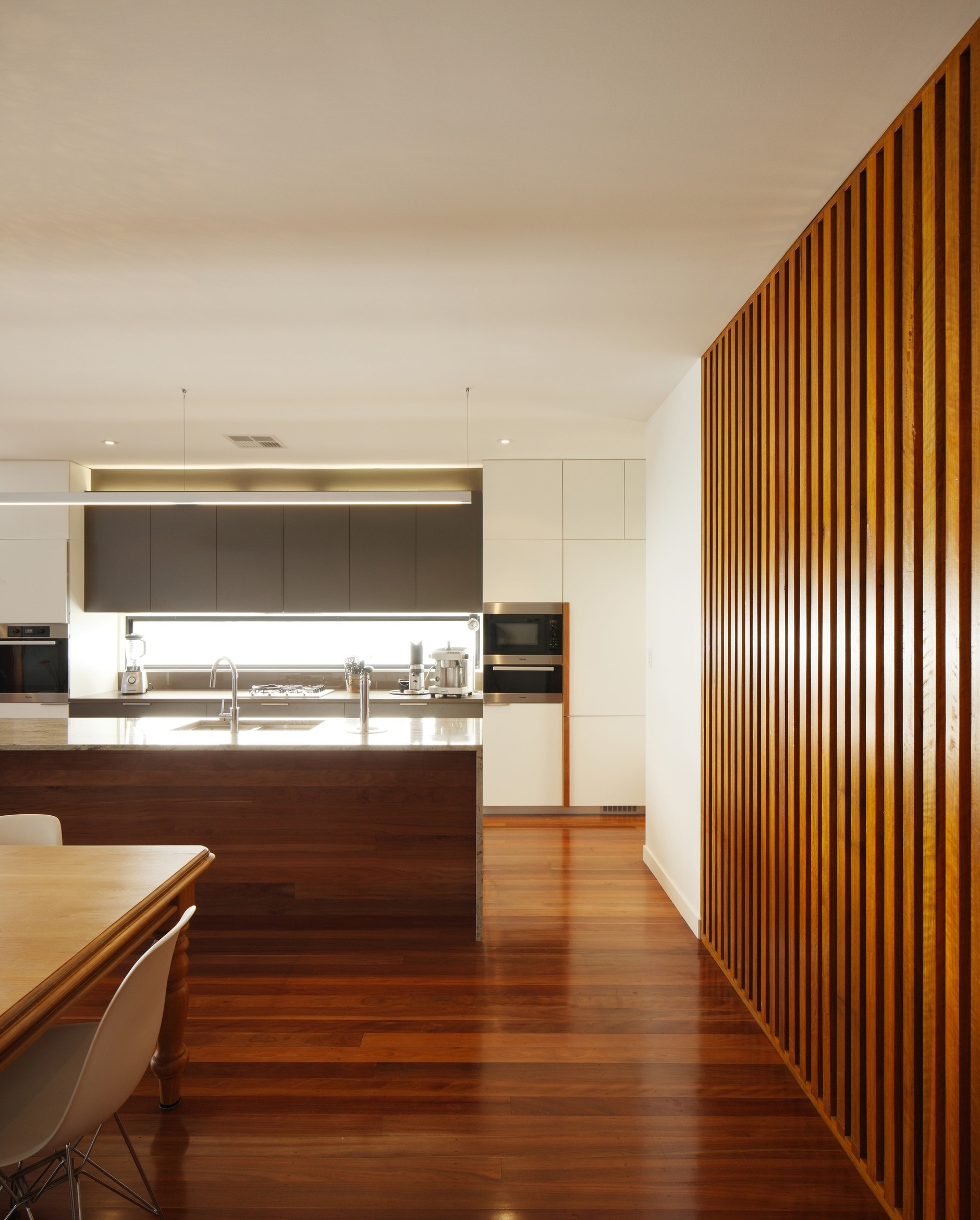 Kitchen Renovation North Brisbane: River Room By Shaun Lockyer Architects