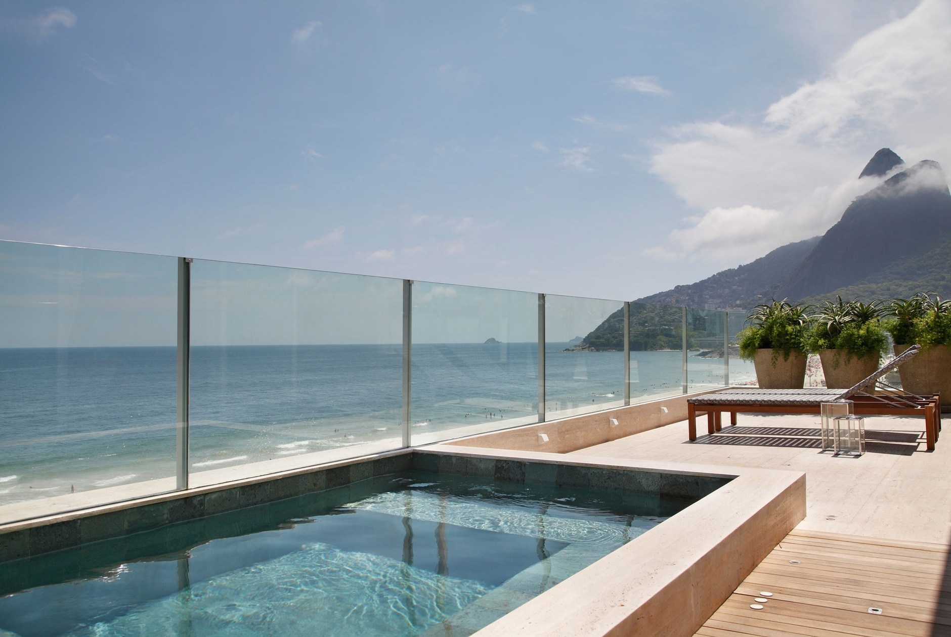 Cobertura triplex by izabela lessa arquitetura karmatrendz for Cobertura piscina