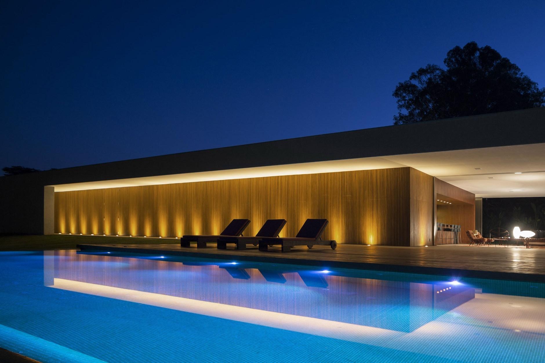 Lee House By Studio Mk27 Marcio Kogan Eduardo Glycerio Karmatrendz