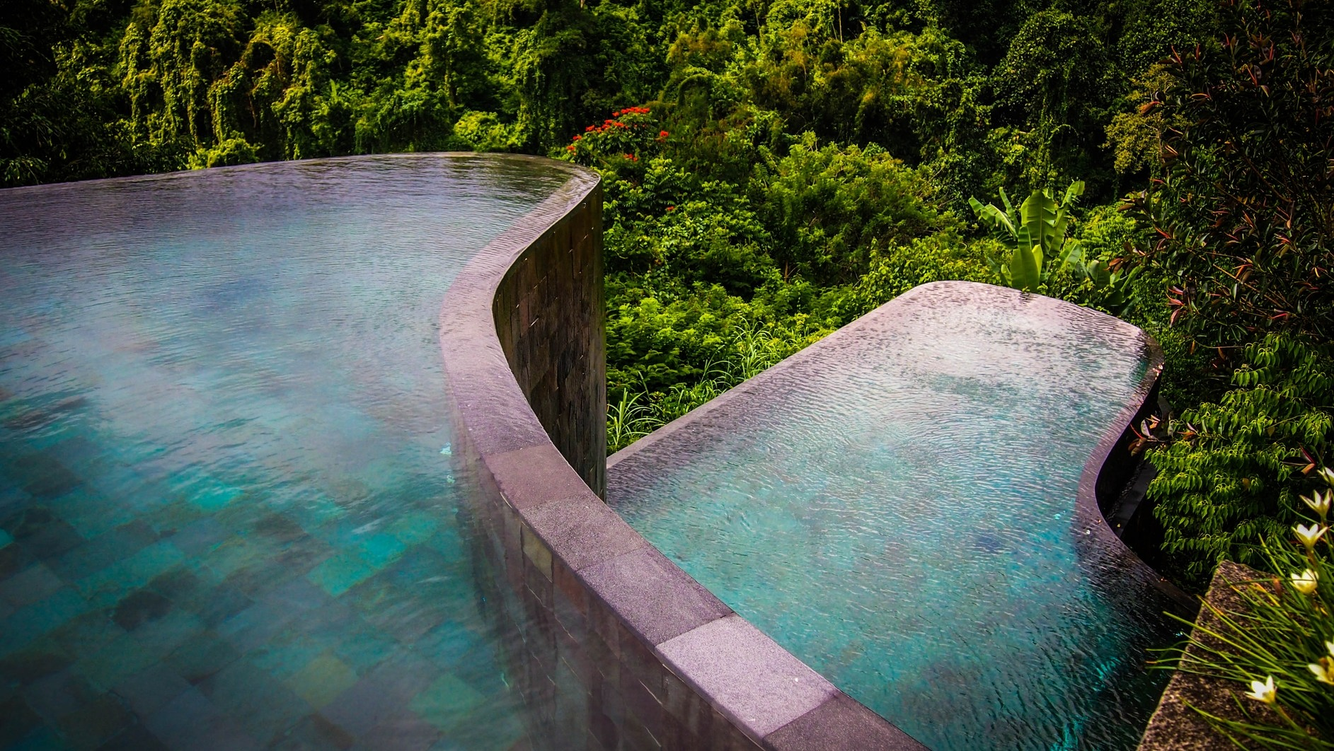 Hanging gardens ubud karmatrendz for The garden pool