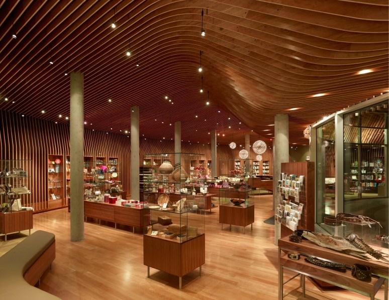 140812_Crystal_Bridges_Museum_Store_01__r