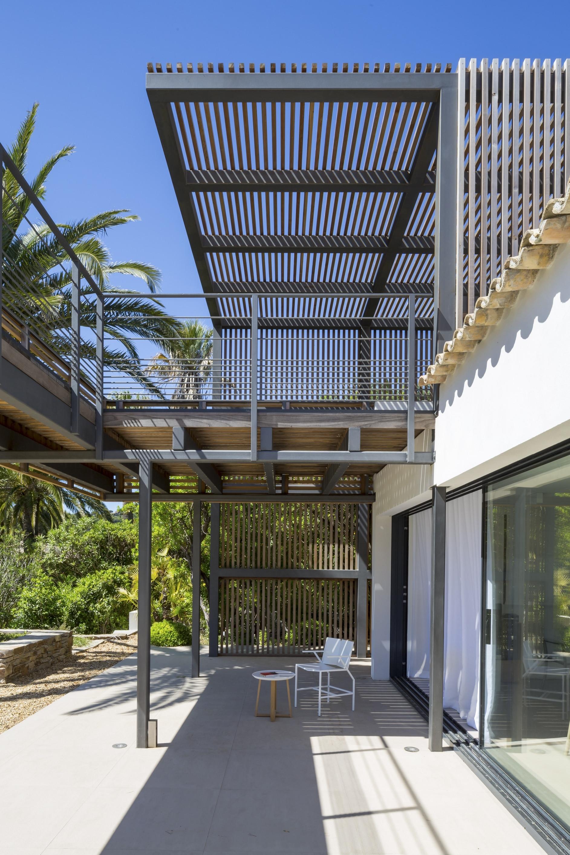 maison l2 by vincent coste karmatrendz. Black Bedroom Furniture Sets. Home Design Ideas