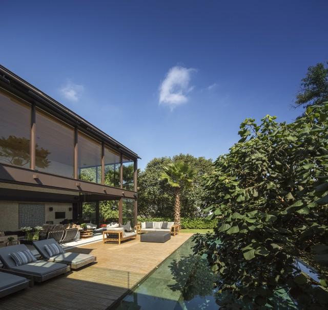 Limantos Residence by Fernanda Marques Arquitetos Associados ...