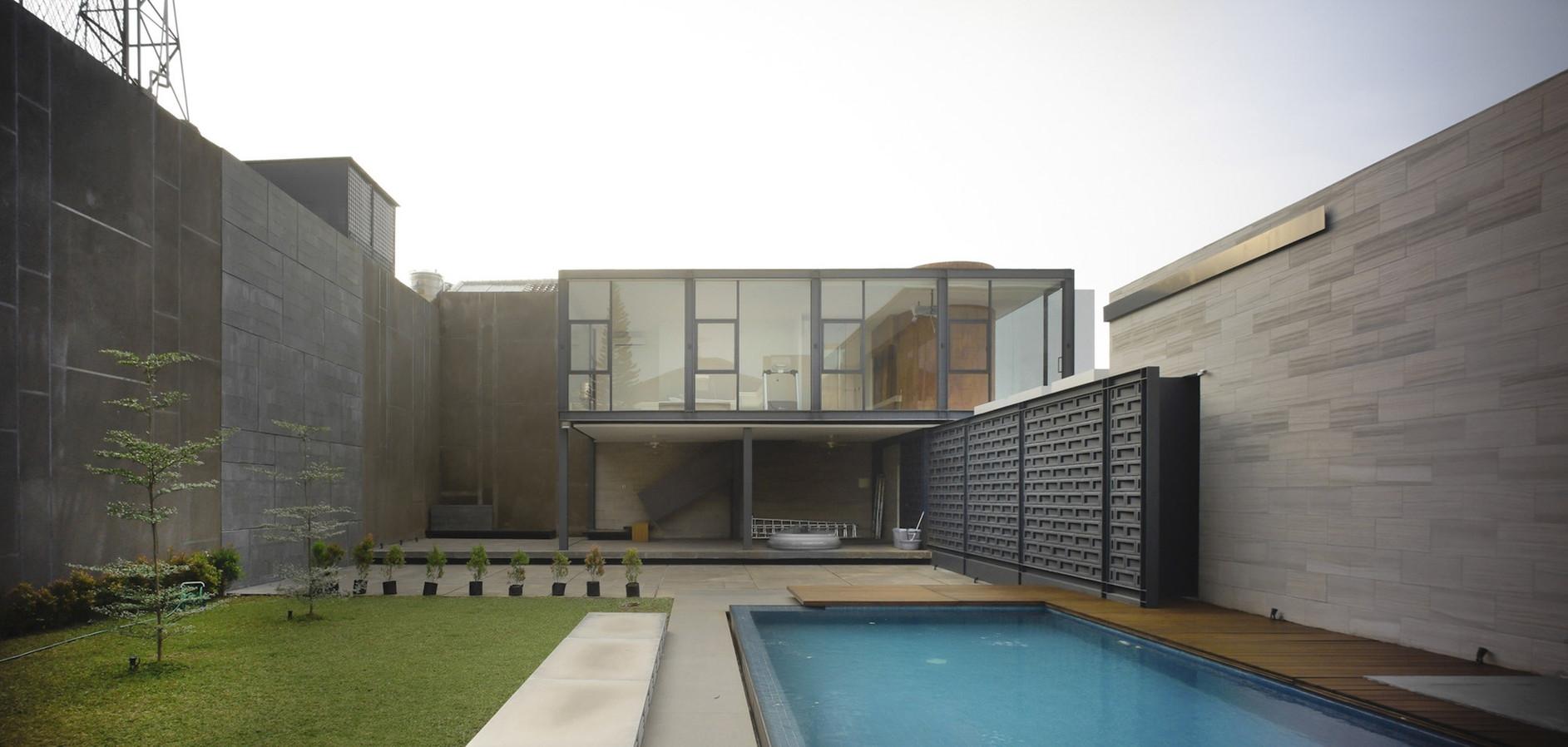 rumah bidang jakarta by raul renanda design karmatrendz