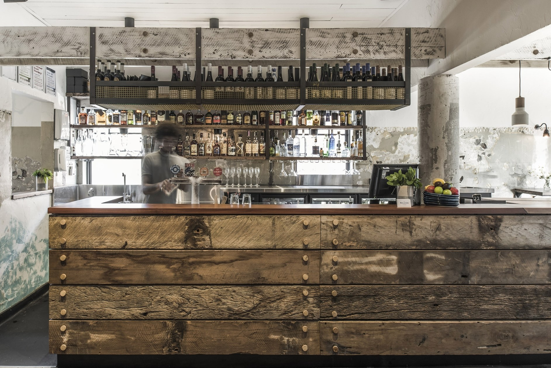 The nelson by techne architecture interior design karmatrendz for Pub arredamento