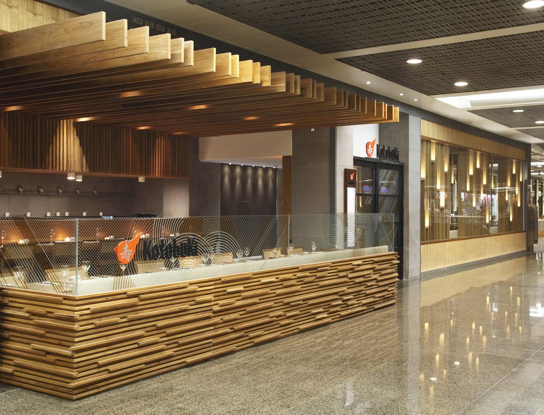 Kotobuki Restaurant by Ivan Rezende Arquitetura